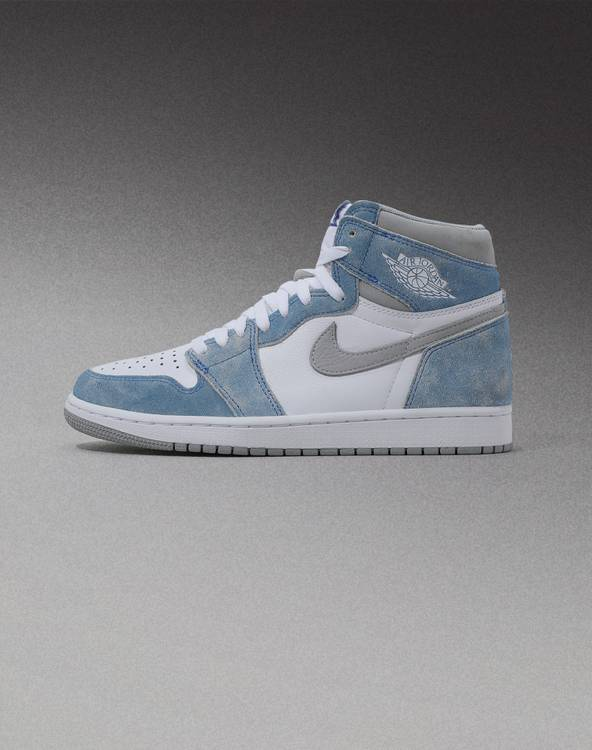 AIR JORDAN 1 RETRO HIGH OG 'HYPER ROYAL' Hero Picture Mobile